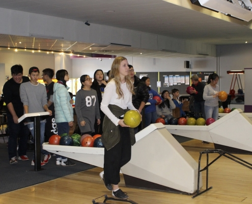 Western Springs College 21: Bowling