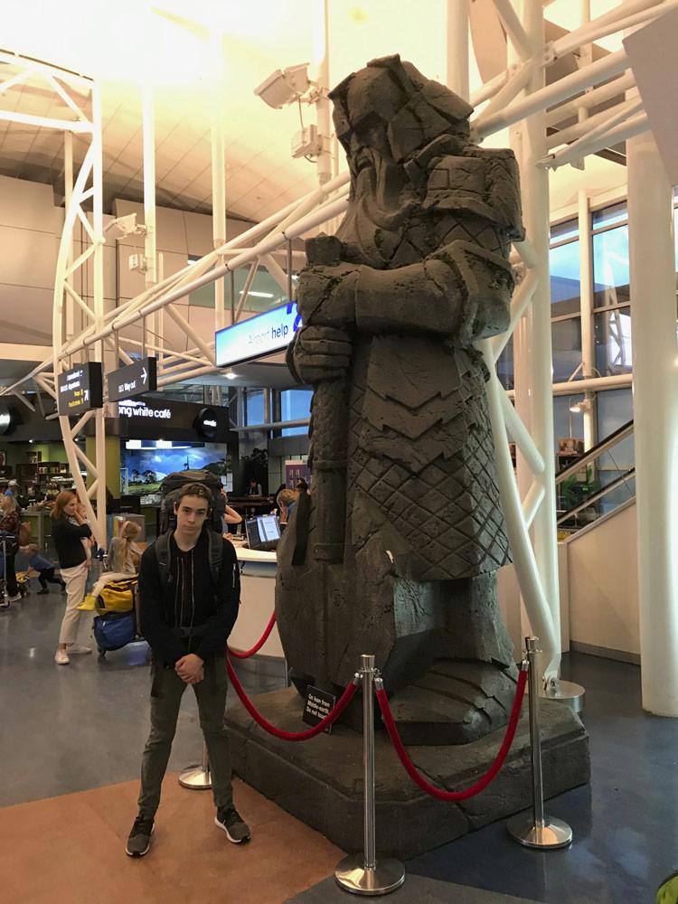"""Gimli"" am Auckland Airport"